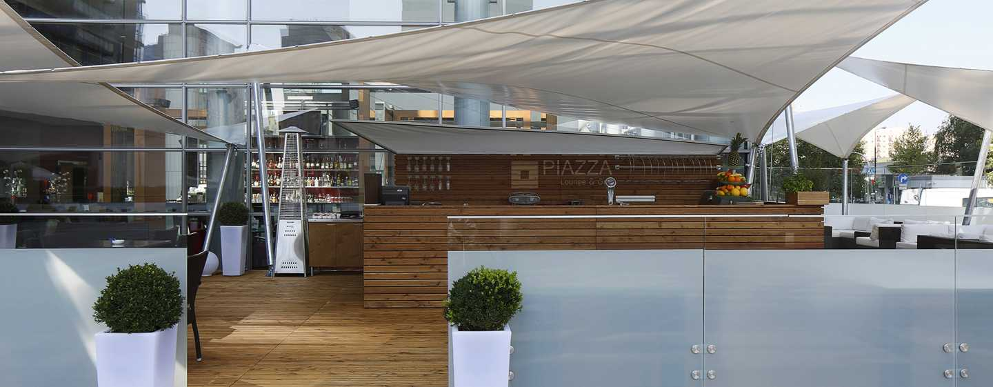 Hilton Warsaw Hotel and Convention Centre, Polonia - Piazza Lounge & Grill