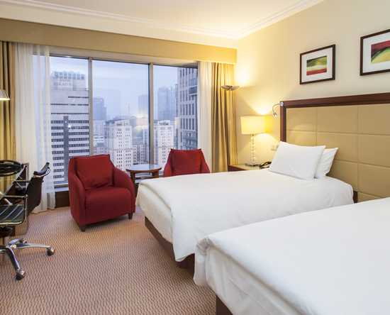 Hilton Warsaw Hotel and Convention Centre Hotel – Executive Zimmer mit King-Size-Bett