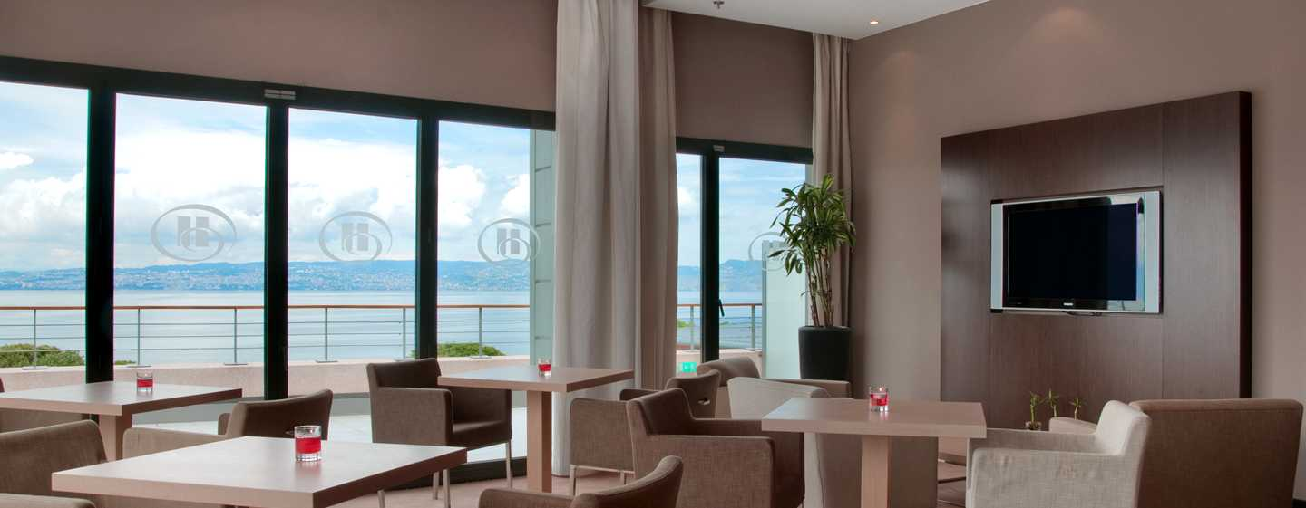 Hilton Evian-les-Bains Hotel, Frankreich – Executive Zimmer mit King-Size-Bett