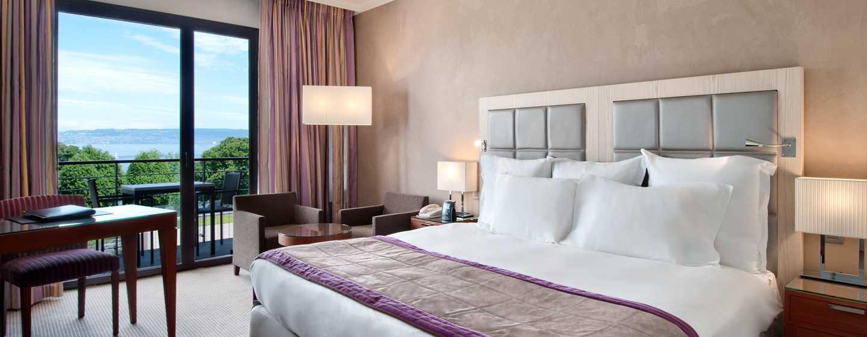 Hôtel Hilton Evian-les-Bains - Chambre exécutive avec très grand lit