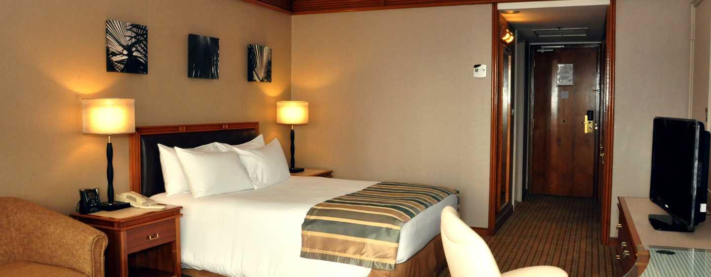 Hôtel Hilton Yaounde, Cameroun - Chambre avec très grand lit