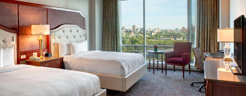 Hôtel Hilton Lac-Leamy, Gatineau, Canada - Chambre de luxe avec deux grands lits et vue sur le lac