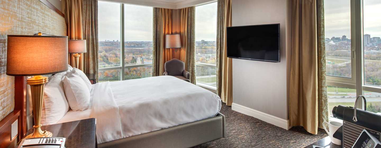 Hôtel Hilton Lac-Leamy, Gatineau, Canada -  Suite exécutive avec un très grand lit