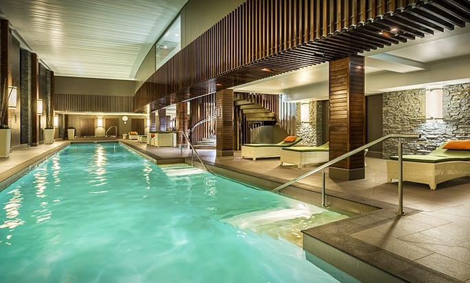 Hilton Queenstown Resort & Spa - สระในร่ม