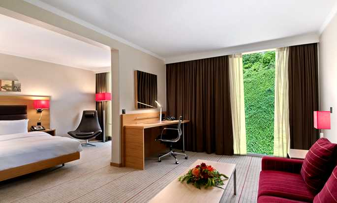 Hôtel Hilton Zurich Airport, Suisse - Suite junior avec grand lit