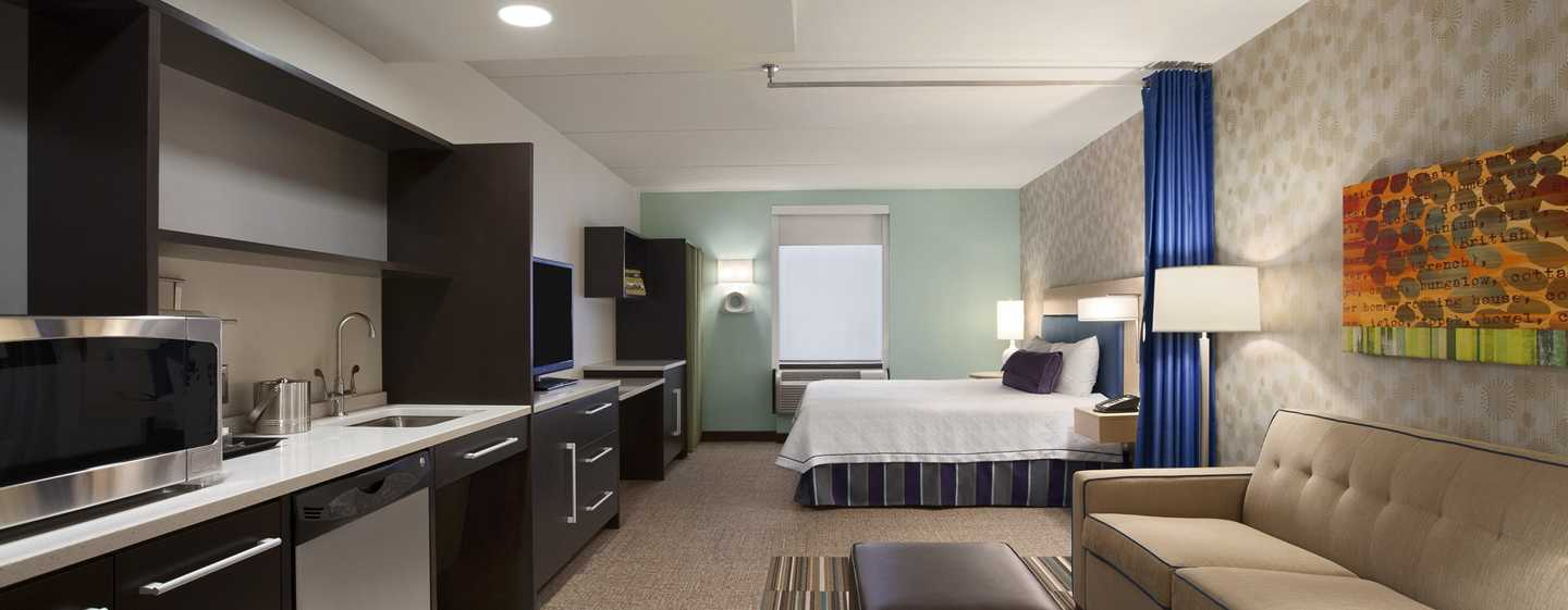 Home2 Suites by Hilton Philadelphia – Convention Center, Pennsylvania, USA – Barrierefreie Studio Suite mit King-Size-Bett