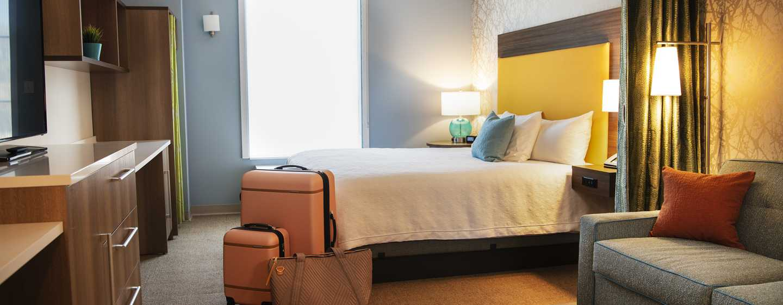Hôtel Home2 Suites by Hilton Toronto Brampton - Chambre avec un très grand lit