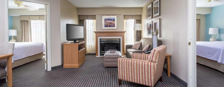 Homewood Suites de Hilton em Westchase, Houston, EUA - Suíte com dois quartos