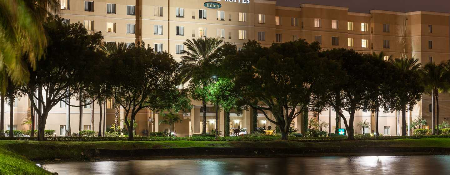 Hotel Homewood Suites by Hilton Miami-Airport/Blue Lagoon, Florida - Exterior do hotel