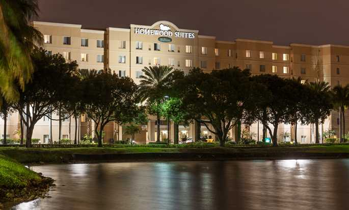 Homewood Suites by Hilton Miami-Airport/Blue Lagoon Hotel - Exterior