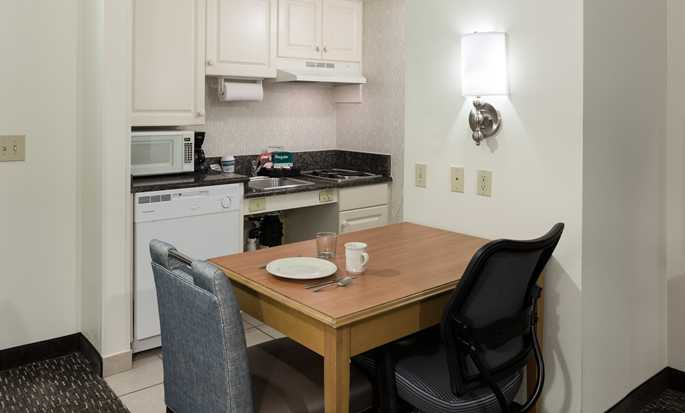 Homewood Suites by Hilton Miami-Airport/Blue Lagoon Hotel - King Room