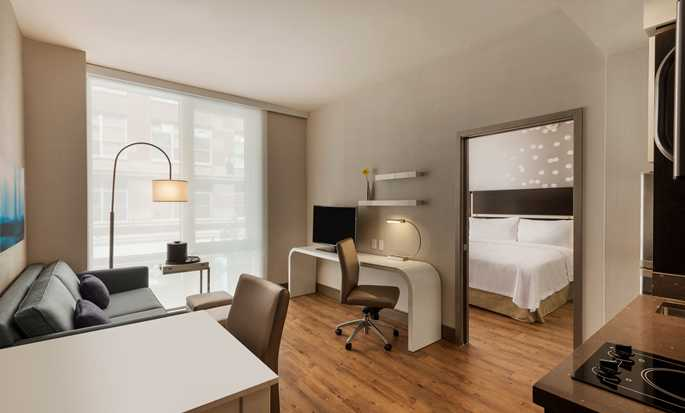 Homewood Suites by Hilton New York/Midtown Manhattan Times Square-South, NY, hotel - King Suite