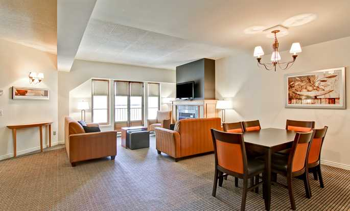 Hôtel Homewood Suites by Hilton Mont-Tremblant Resort - Suite spacieuse