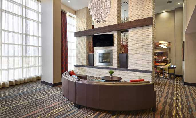 Hôtel Homewood Suites by Hilton® Calgary-Airport, Alberta, Canada - Hall