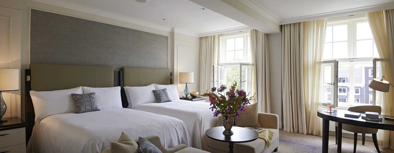 Waldorf Astoria Amsterdam hotel - Suite met twee tweepersoonsbedden