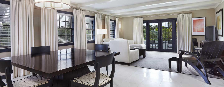 Boca Raton Resort & Club, A Waldorf Astoria Resort, Florida - Suite Bungalow de un dormitorio con cama King