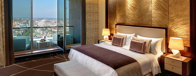 Puren Luxus hoch über der Großstadt bieten Ihnen unsere zwei Ambassador Suite