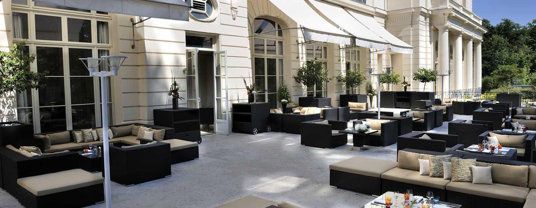 Waldorf Astoria Trianon Palace Versailles, Frankreich– Terrasse du Bar Galerie
