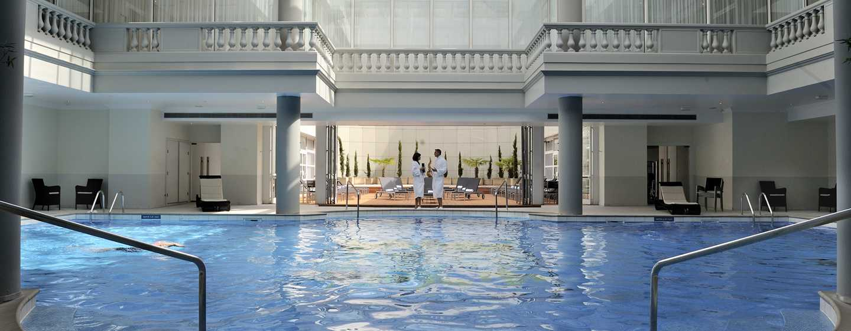 Waldorf Astoria Trianon Palace Versailles, Frankreich– beheizter Innenpool