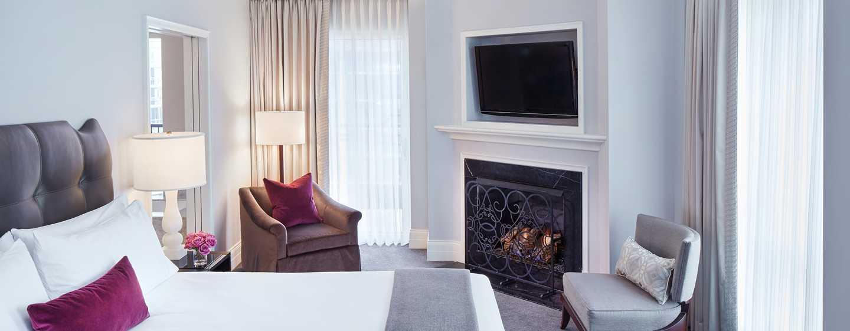 Hôtel Waldorf Astoria Chicago - Chambre Premier avec très grand lit et terrasse