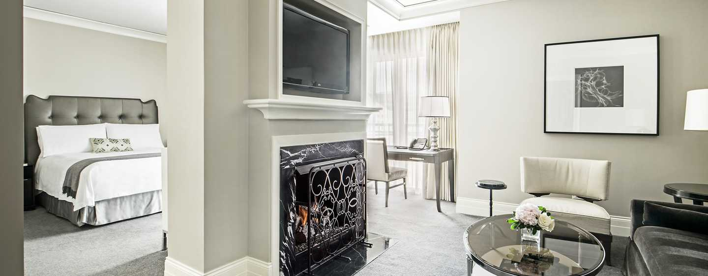 Hôtel Waldorf Astoria Chicago - Salon d'une suite Junior