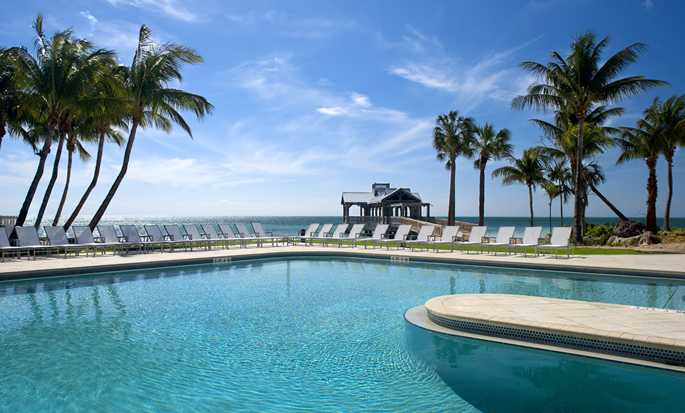 The Reach, a Waldorf Astoria Resort, Florida, USA - Piscine donnant sur la mer