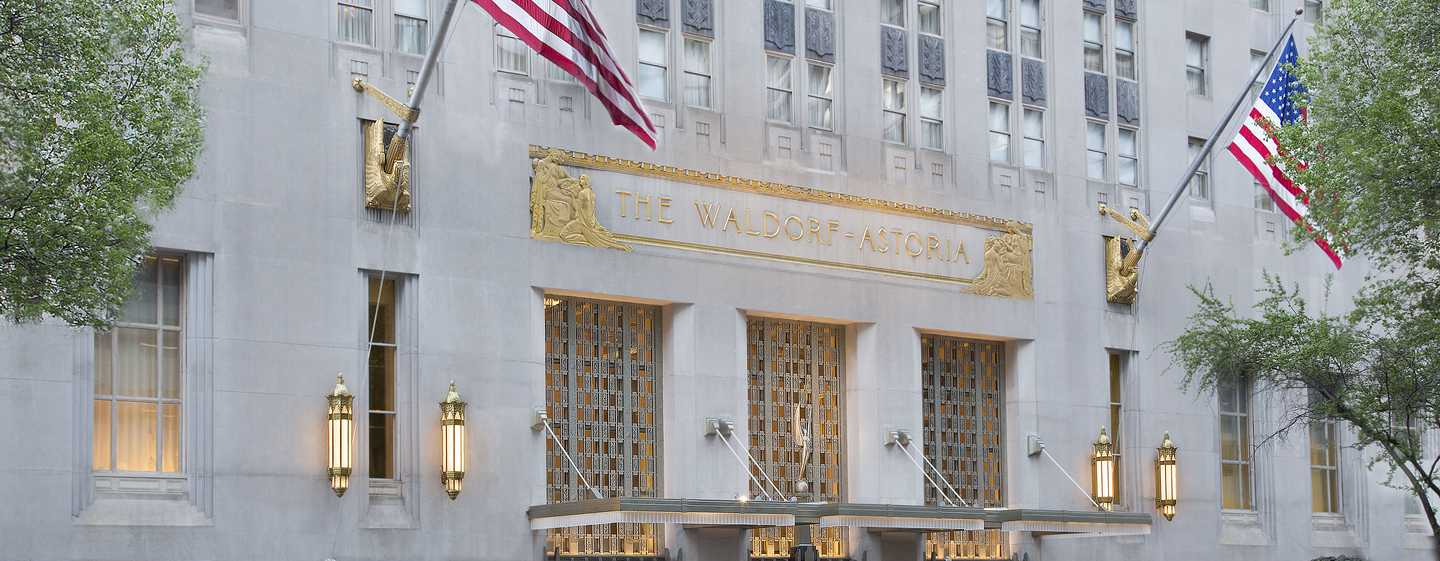 Waldorf Astoria New York Hotel, New York, USA – Eingang an der Park Avenue