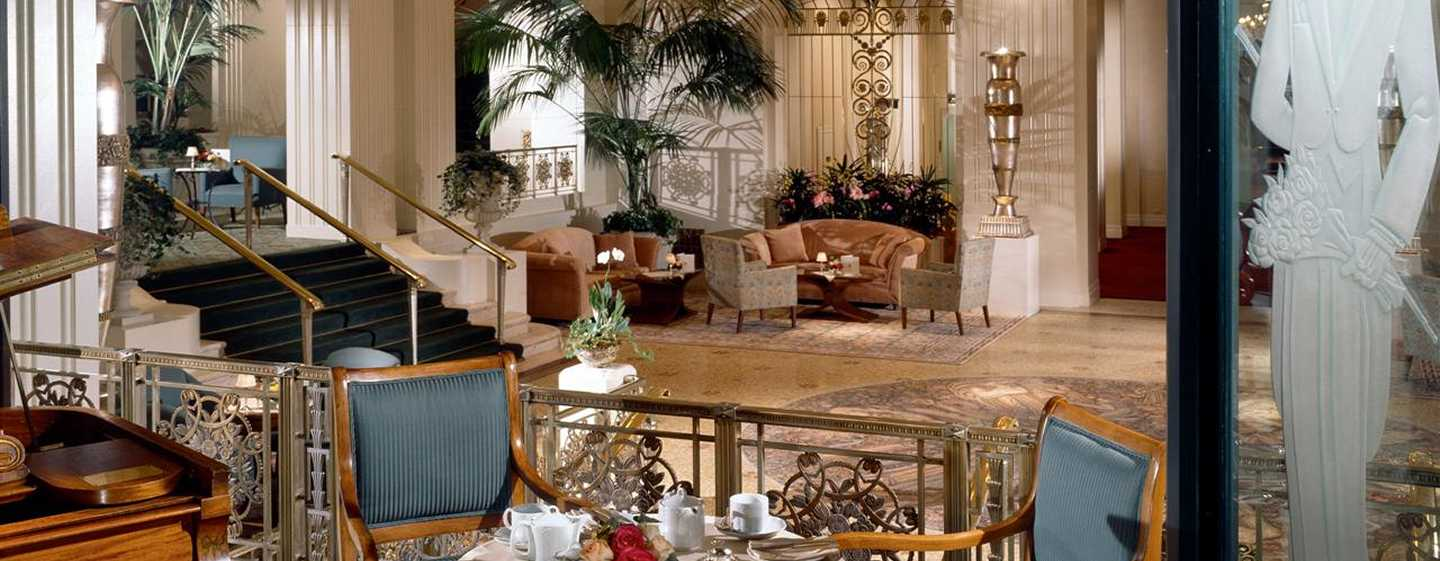 Waldorf Astoria New York Hotel, New York, USA – Restaurant