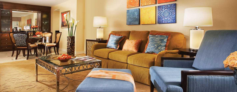 Hôtel Waldorf Astoria Orlando, Floride, États-Unis - Salon d'une suite de luxe