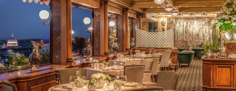 restaurants de l 39 h tel rome cavalieri la pergola rome. Black Bedroom Furniture Sets. Home Design Ideas