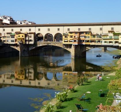 Promenade en bateau sur le fleuve Arno: Hilton Florence Metropole