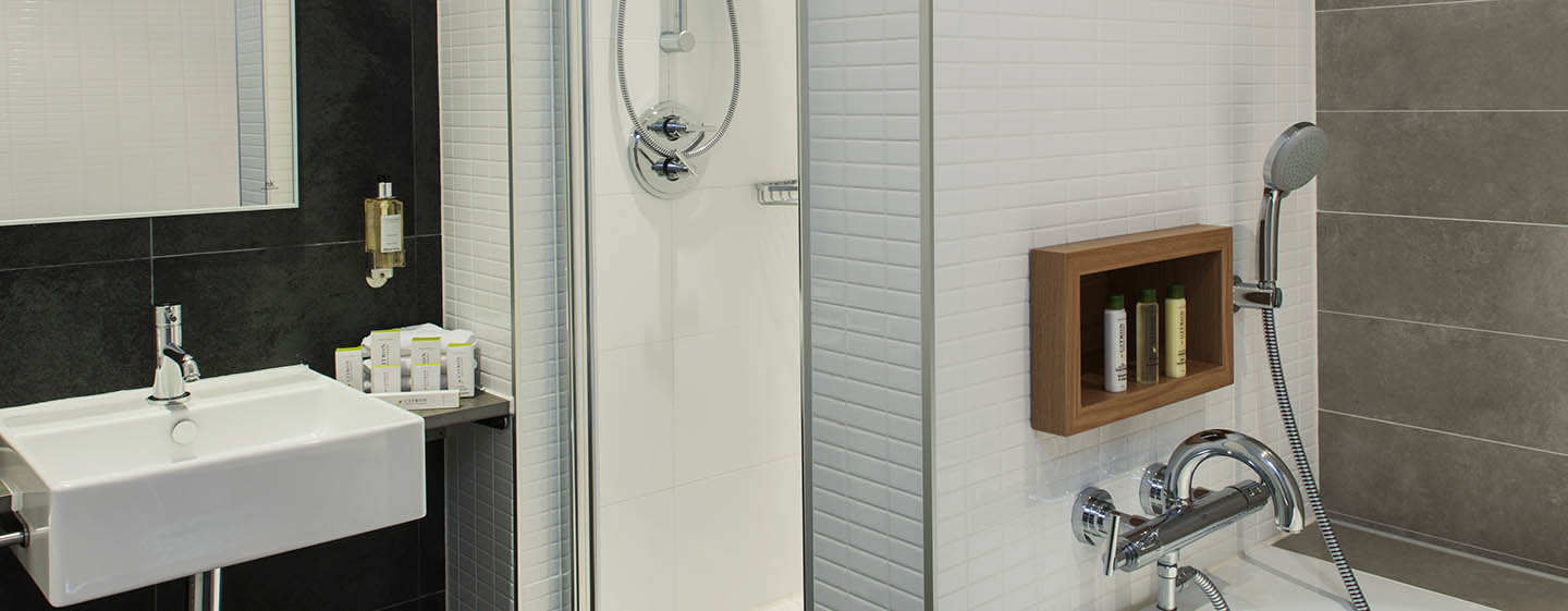 DoubleTree by Hilton Hotel Amsterdam Centraal Station, Pays-Bas - Salle de bains d'une chambre