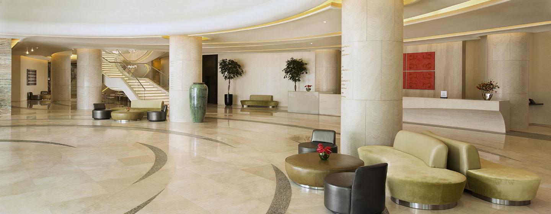 Hotel Hilton Capital Grand Abu Dhabi, EAU - Reception nella lobby