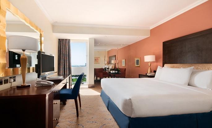 Hotel Hilton Abu Dhabi, EAU - Camera Deluxe con letto king size