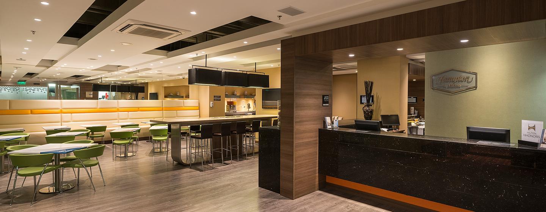 Hotel Hampton by Hilton Barranquilla, Colombia - Lobby