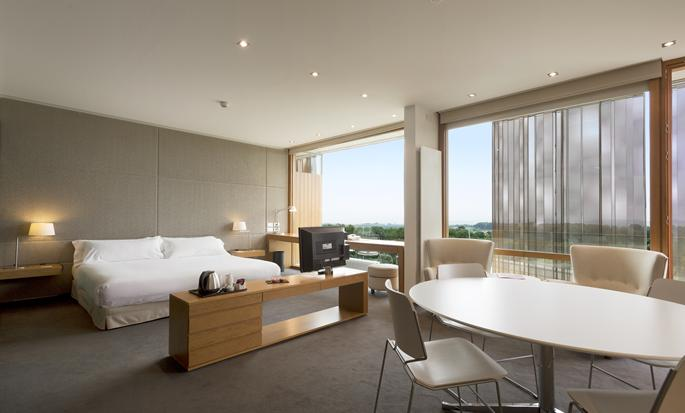 DoubleTree by Hilton Hotel & Conference Center La Mola, Terrassa, España