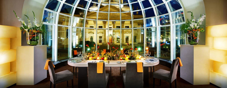 Dinieren Sie im Restaurant Beletage mit Ausblick auf den Gandarmenmarkt