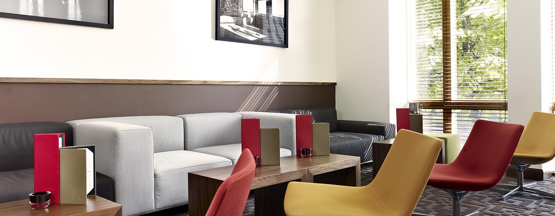 Entspannen Sie sich im gemütlichen Loungebereich