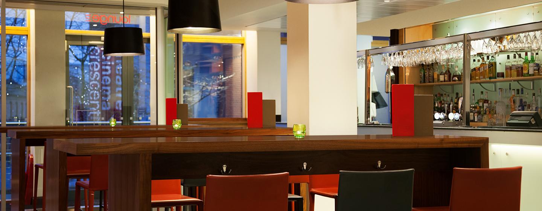 Die Bar Brindley im Erdgeschoss des Hotels läd Sie zu einem leckeren Cocktail ein