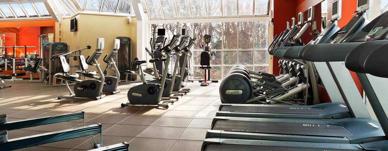 Halten Sie sich im voll ausgestatteten LivingWell Fitness Club fit