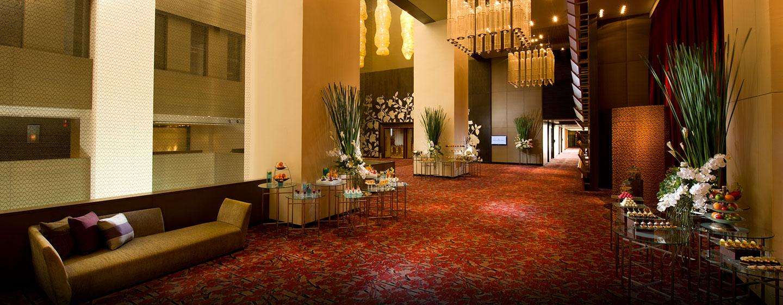 Das schöne Foyer können Sie für Pausen in den Meeting oder für Ausstellungen nutzen
