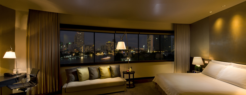 Genießen Sie den Platz den Ihnen die Deluxe Plus Zimmer bieten und entspannen Sie auf dem großen King-Size-Bett
