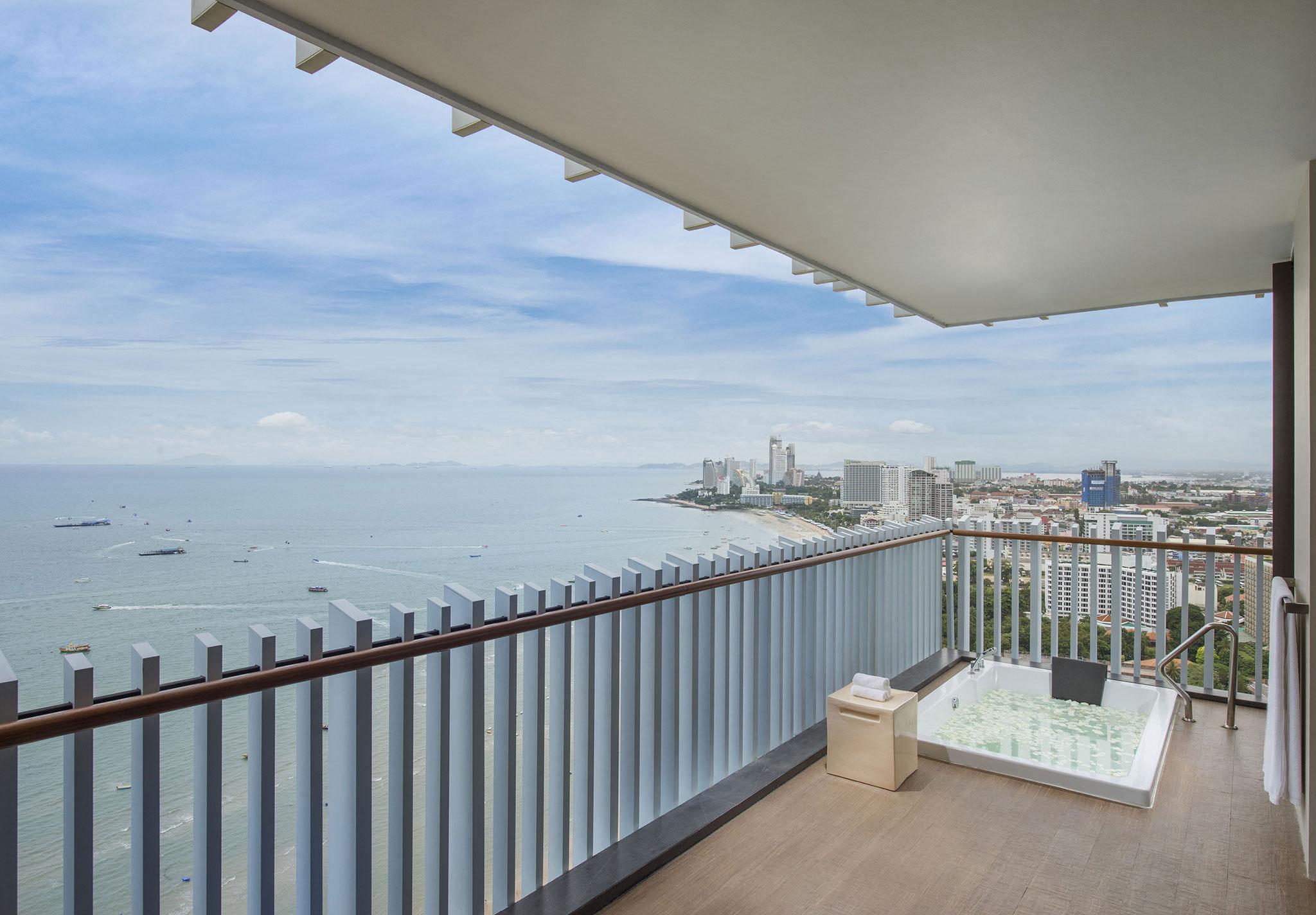 Hilton pattaya hotel resort in der bucht von pattaya for Katzennetz balkon mit hotel pattaya garden thailand