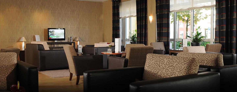 Entspannen Sie bei einem frischen Kaffee in der Lobby