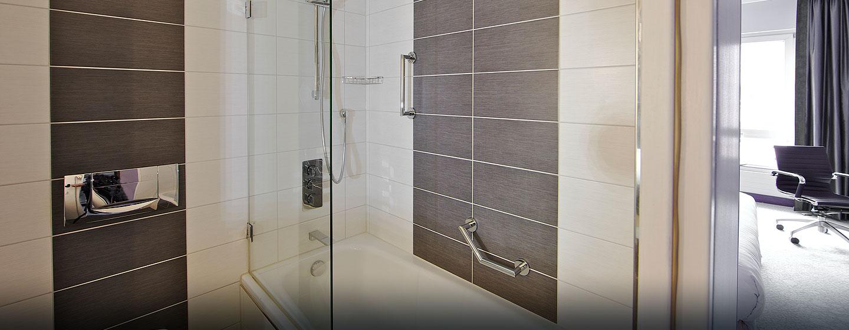 Unsere modernen Badezimmer sind mit einer Badewanne ausgestattet