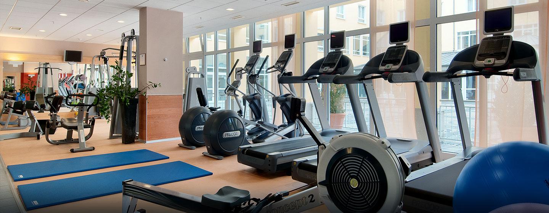 Das üppig ausgestattete Fitness Center ist 24 Stunden für Sie geöffnet