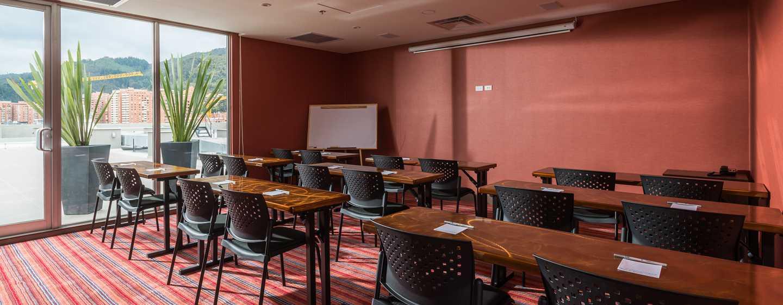 Hampton by Hilton Bogotá - Usaquén, Colombia - Sala de reuniones