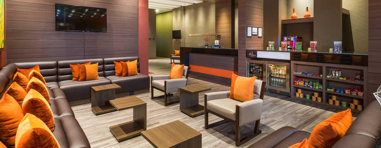 Hampton by Hilton Bogotá - Usaquén, Colombia - Bar