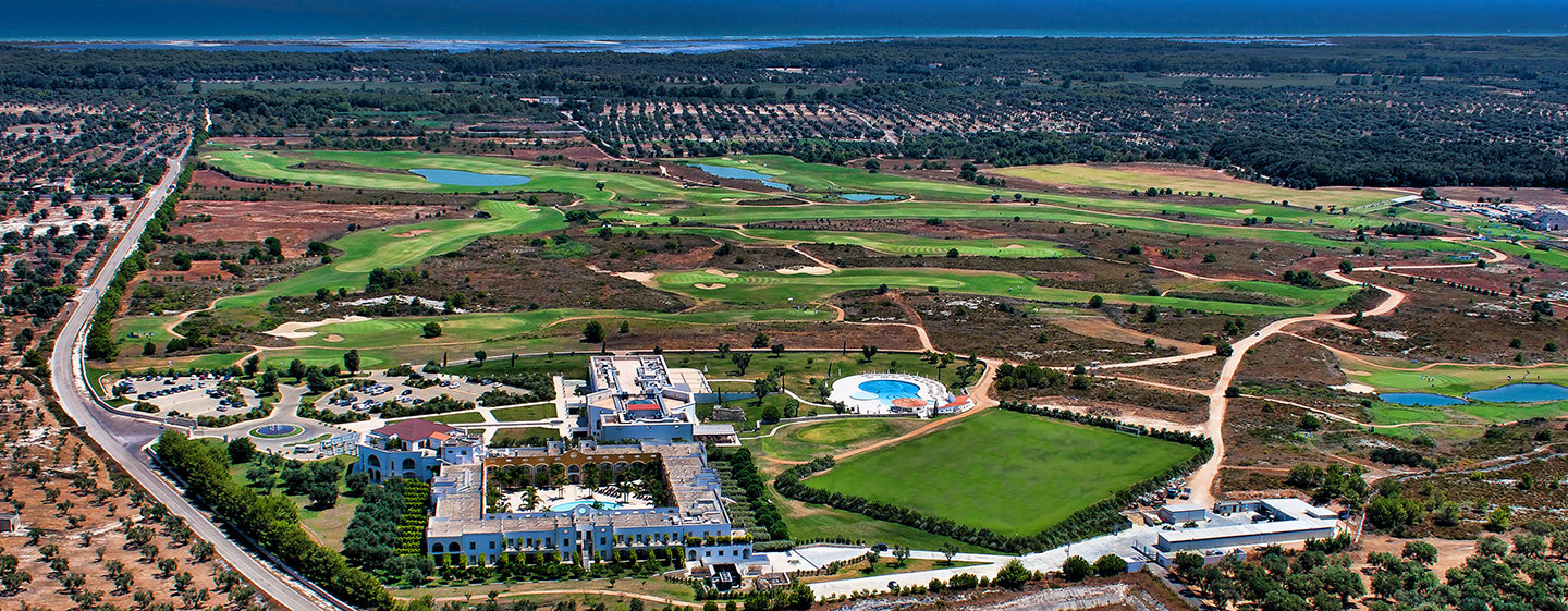 Hotel Doubletree by Hilton Acaya Golf Resort Lecce, Italia - Vista aerea del Golf Resort Acaya