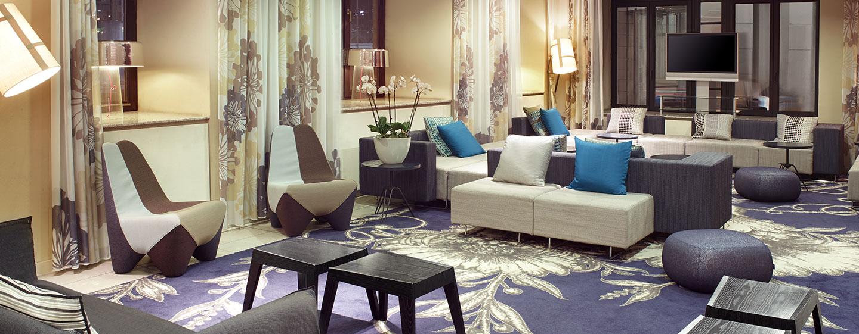 Entspannen Sie in der gemütlichen Hotel-Lounge im Zentrum von Brüssel